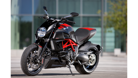 Для галереи Diavel Carbon Red: